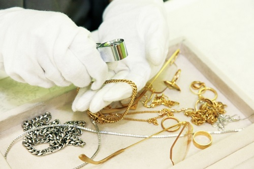 東大阪で買取りの依頼なら金や宝石、家電など様々な品目に対応する【池田屋質店】
